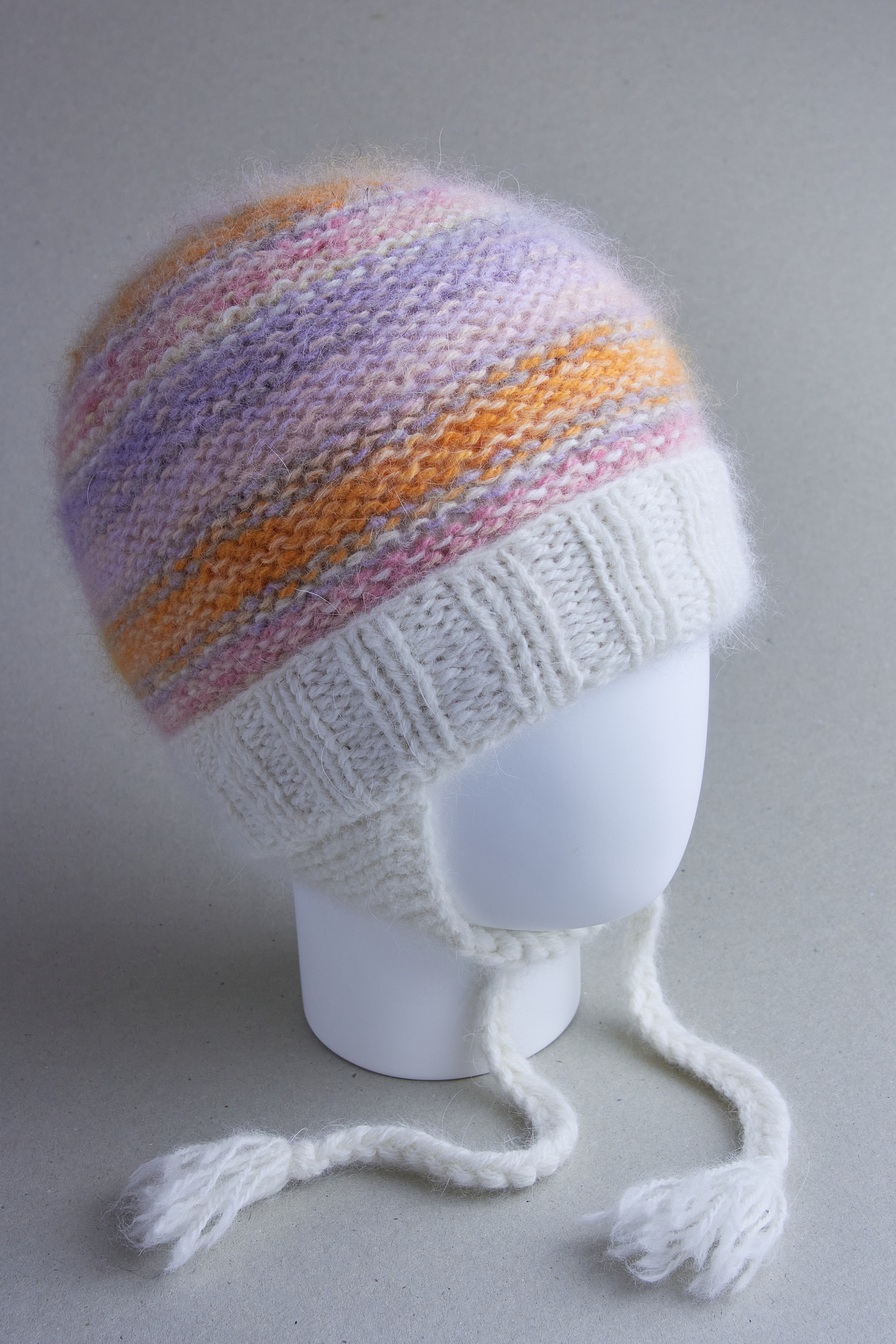 Вязаная шапочка для новорожденных детей
