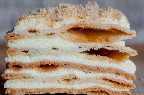 Торт «Наполеон» без глютена, приготовленный с заменой рецептуры