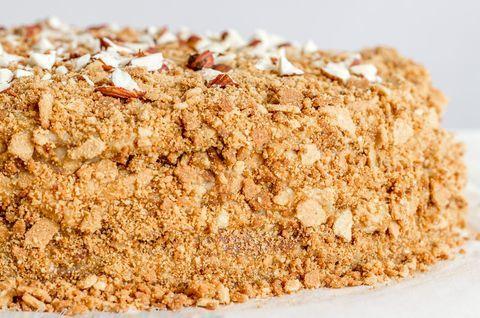 Безглютеновый торт «Наполеон» с кокосовой обсыпкой
