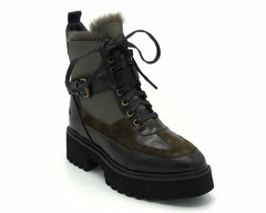 Зеленые зимние ботинки на объемной подошве из натуральной кожи