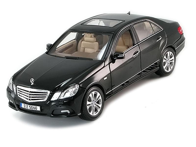 Коллекционная модель Mercedes-Benz E-Class 2009 Black Metallic