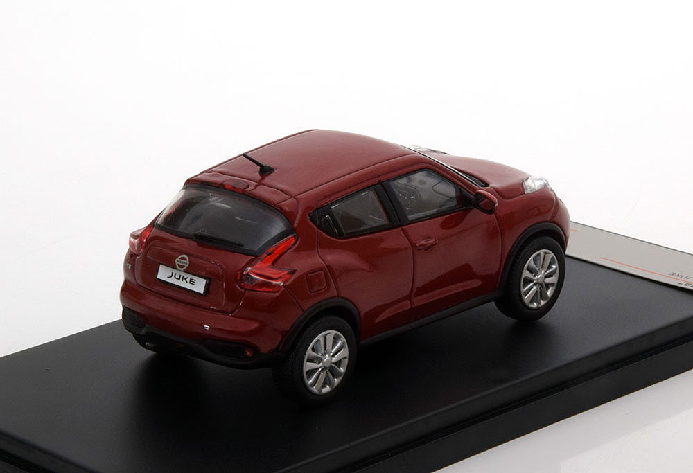 Коллекционная модель NISSAN Juke 2015 Metallic Red
