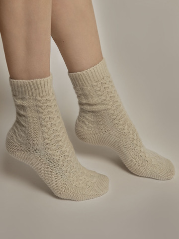 Женские носки молочного цвета из 100% кашемира - фото 3