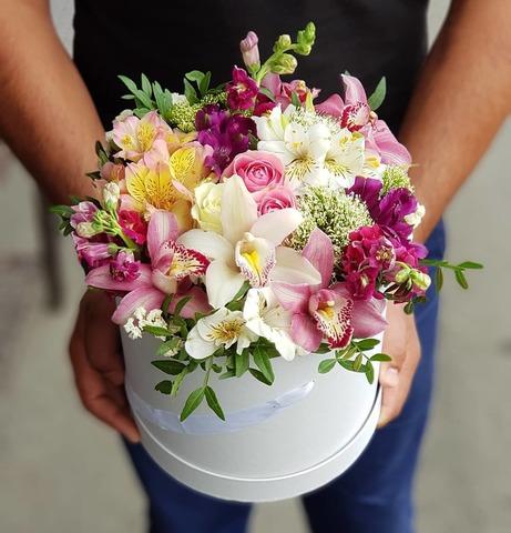 Коробка микс цветы 10
