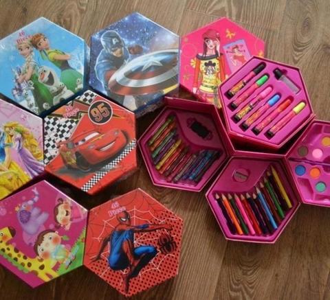 Детский набор для рисования 46 предметов Тачки