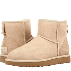 /collection/rasprodazha/product/nepromokaemye-ugg-classic-mini-sand-ii