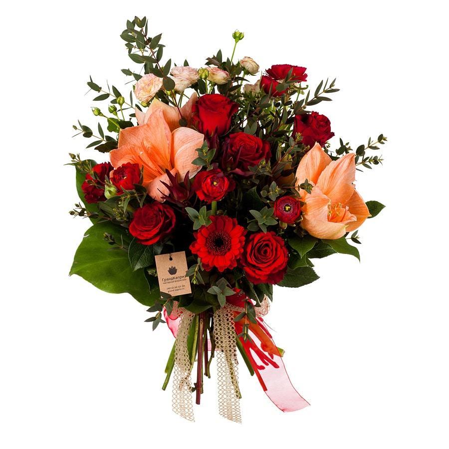 Букет из роз и гиппеаструмов - Дамский каприз