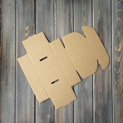 Коробка мгк С УШКАМИ (85*85*40мм)