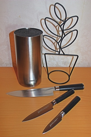 Набор из 3 ножей  MO-V и подставка