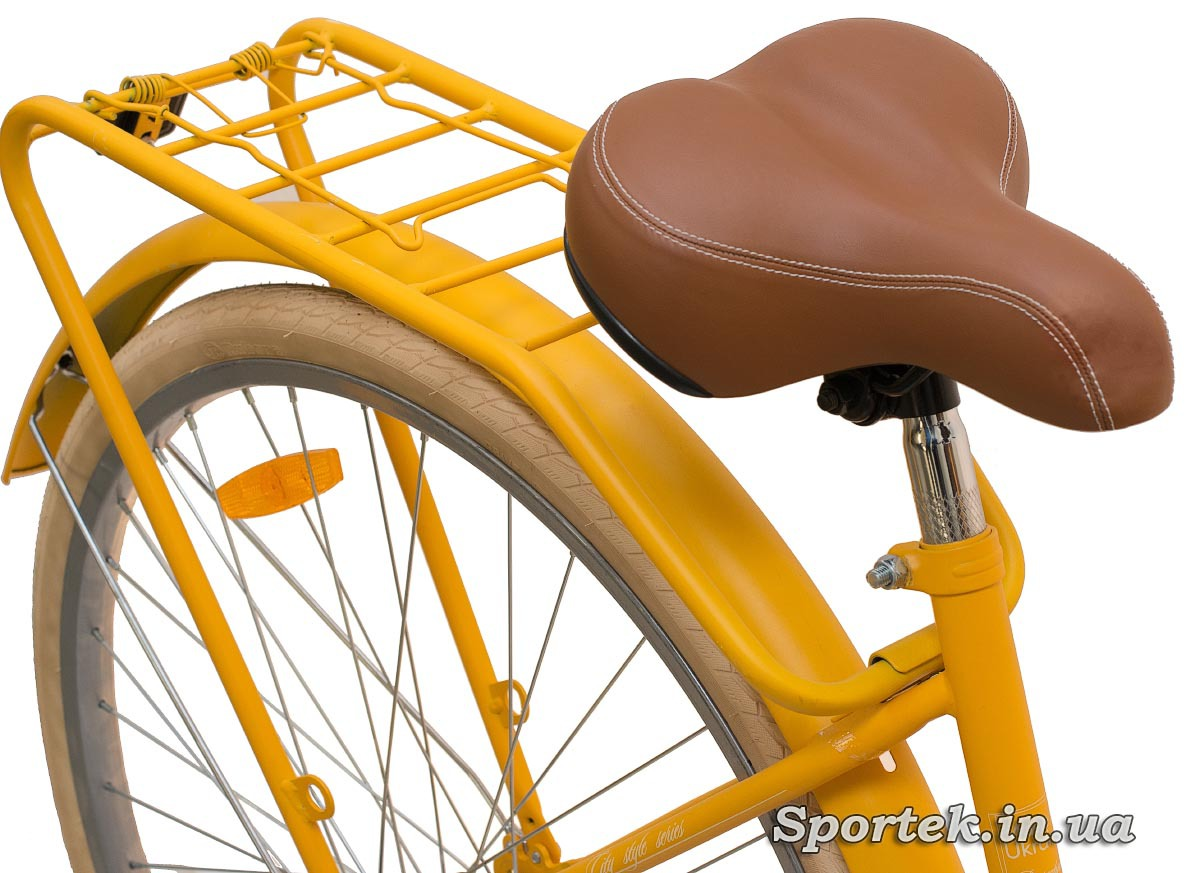 Сидіння і багажник міського велосипеда Dorozhnik Retro 2016
