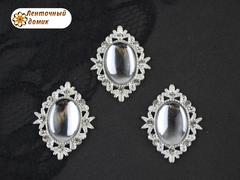 Камни овалы в ромбовой оправе светлое серебро зеркальные прозрачные