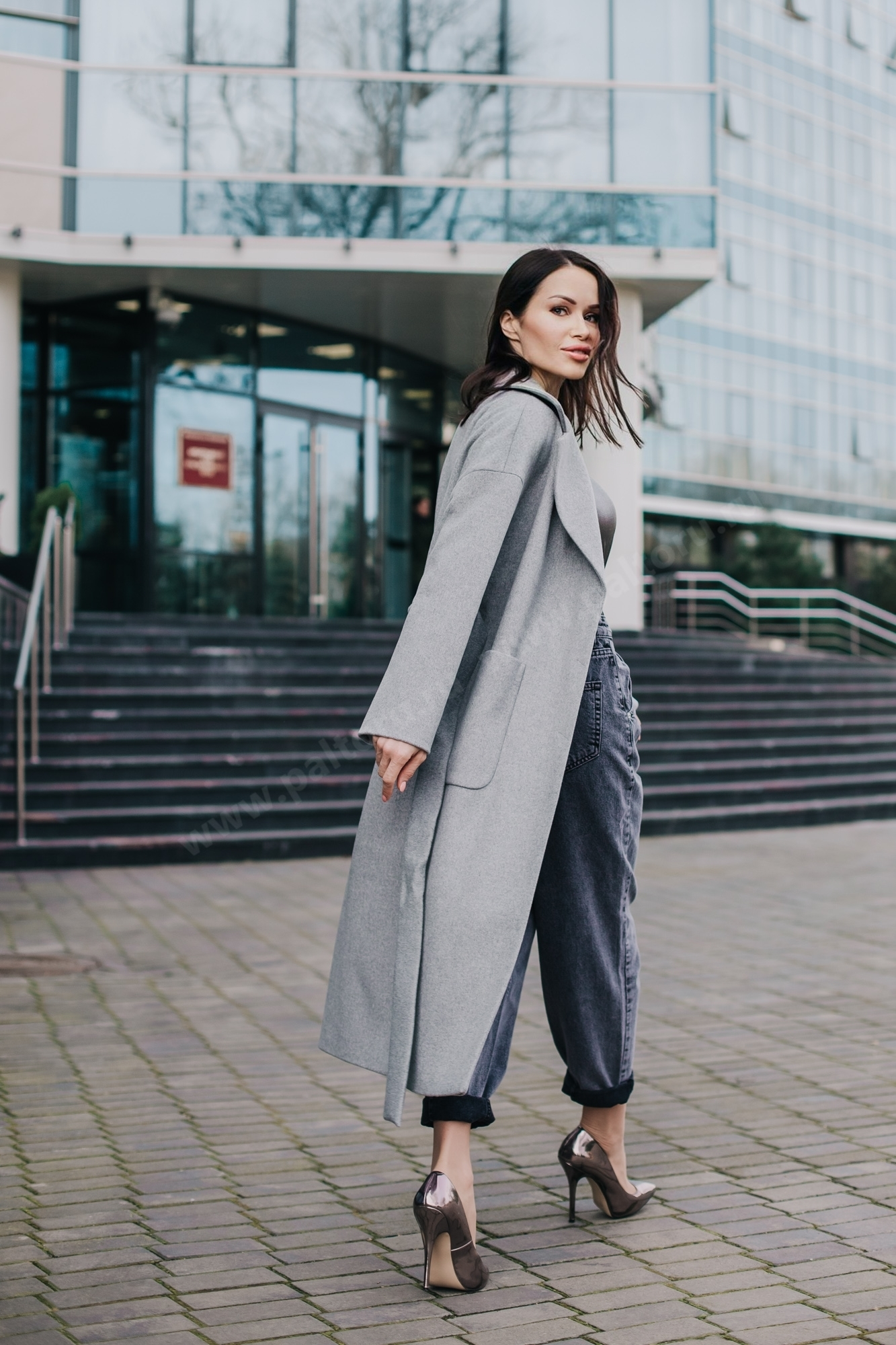 Пальто женское-халат накладные_карманы