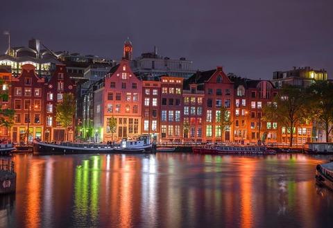 Ночной Амстердам (Wooden City)