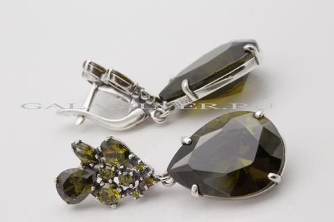 Серьги с фианитом оливин из серебра 925