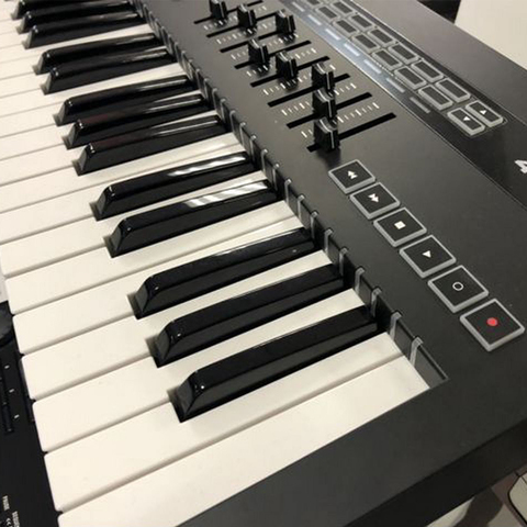 Novation 49 SL MK III Миди-клавиатура
