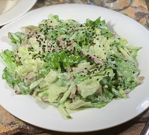 Японский салат с говяжьим языком
