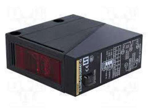 Фотоэлектрический датчик Omron E3JM-DS70S4-G