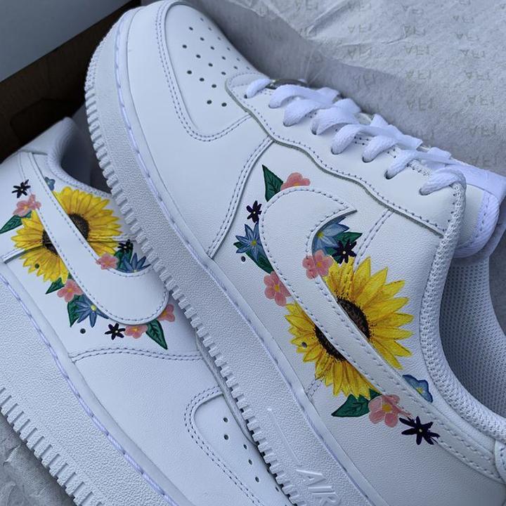 Nike Air Force 1 07 //  Simple Flowers