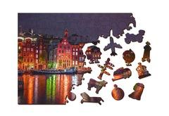 Ночной Амстердам от Wooden City - Позитивные и яркие деревянные пазлы с деталями разных формы. Прекрасное фото с огнями ночного Амстердама, собирайте вместе с друзьями