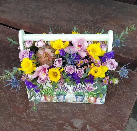 Ящик с цветами Живой