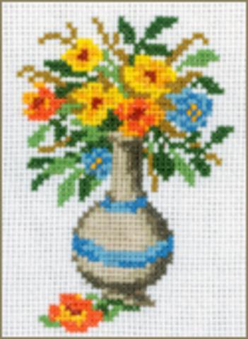 H135 Ваза с цветами