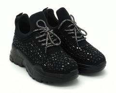 Черные кроссовки со стразами на массивной подошве