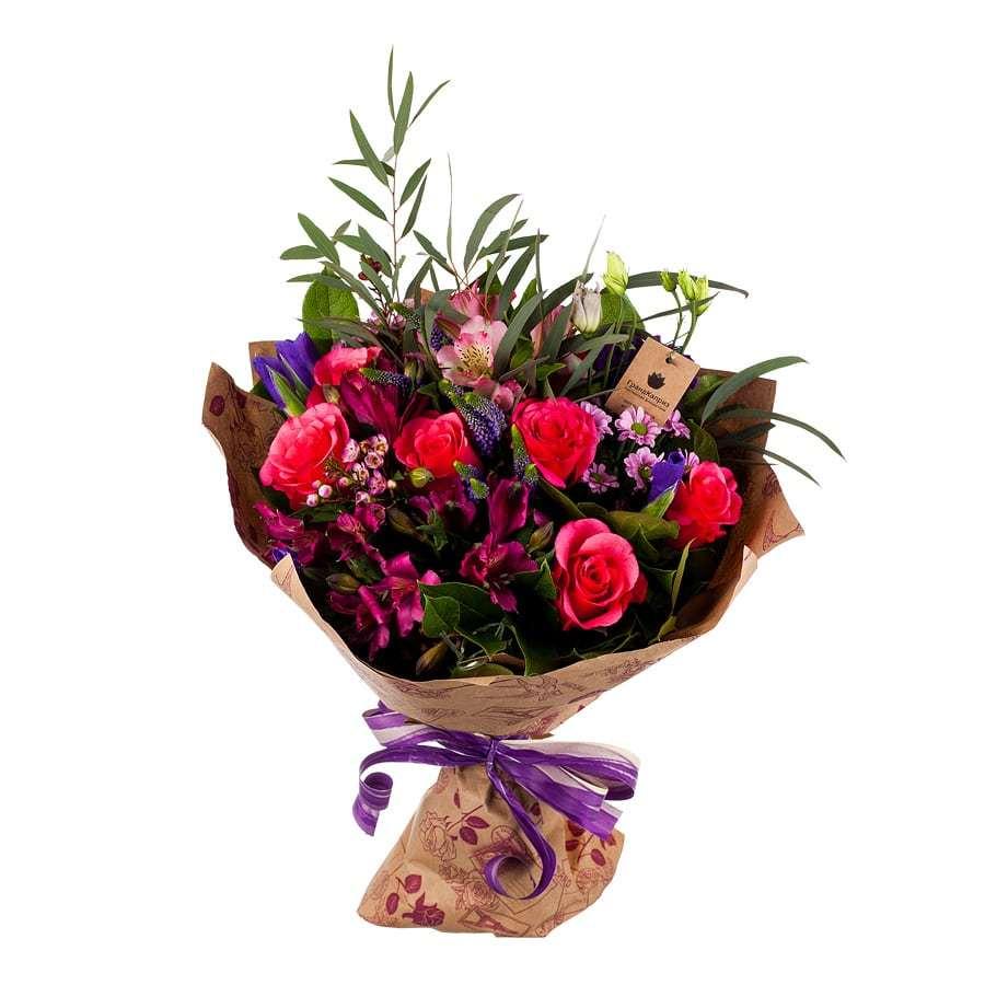 Букет из роз и хризантем - Больше 1000 слов