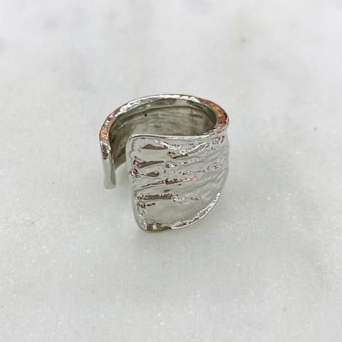 Кольцо фактурное мятое несомкнутое (серебристый)