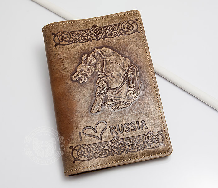 BY14-32-05 Обложка на паспорт с тиснением «I Love Russia»