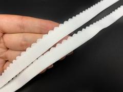 Резинка отделочная белая 15 мм  (цв. 001)