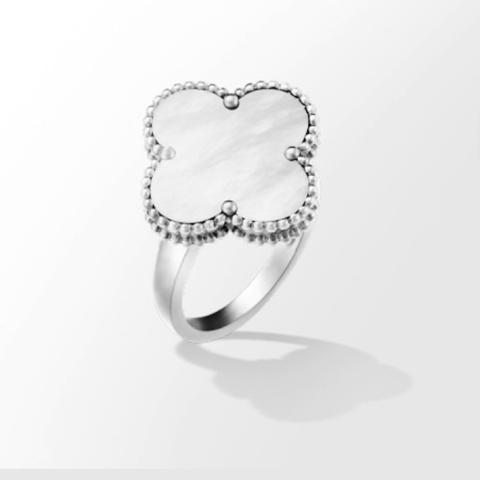 Кольцо-клевер коллекция Trendy из серебра с перламутром -один мотив