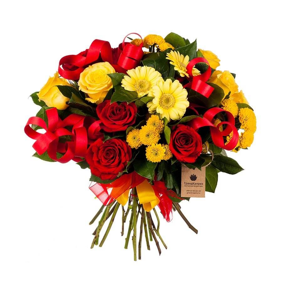 Букет из роз и кустовых хризантем - Истина в чувствах