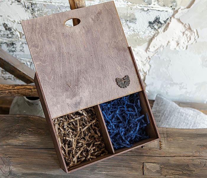 BOX235-3 Коробка для подарка с двумя отделениями (25*25*12 см)