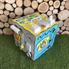 Бизикуб стандарт 30х30 см комплектации Бирюзово-Желтый для мальчика