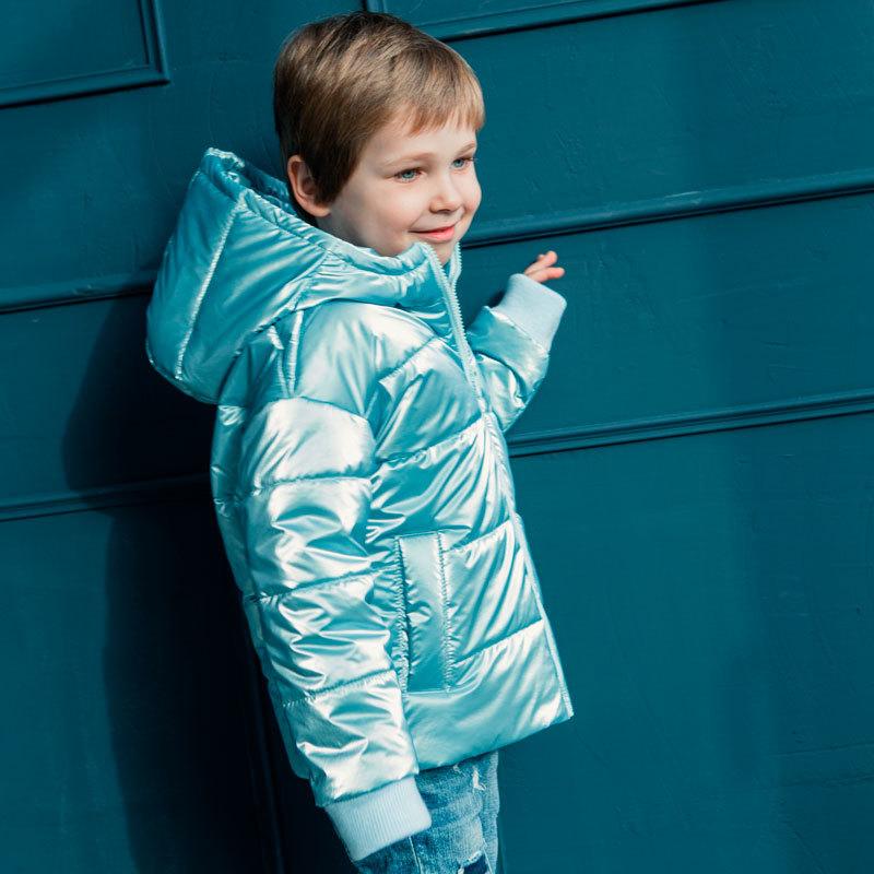 Демісезонна дитяча куртка в блакитному кольорі для хлопчика