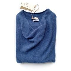 Пуловер с глубоким вырезом (Небо Тосканы)