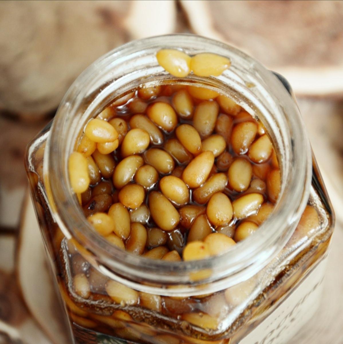 Варенья Кедровый орех в кедровом сиропе cedar-syrup-nuts-01.jpg