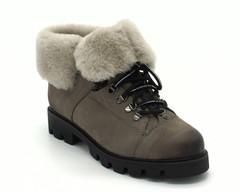 Серые зимние ботинки из натурального нубука