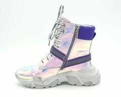 Высокие кроссовки на платформе с голографией