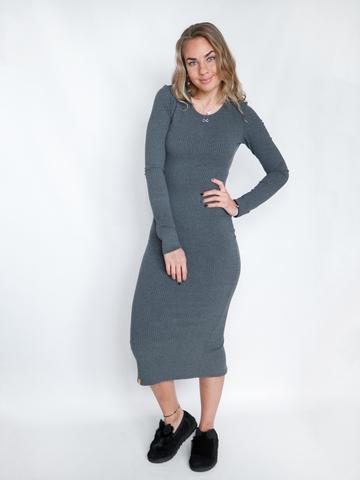 Платье трикотажное с округлым вырезом графитовое