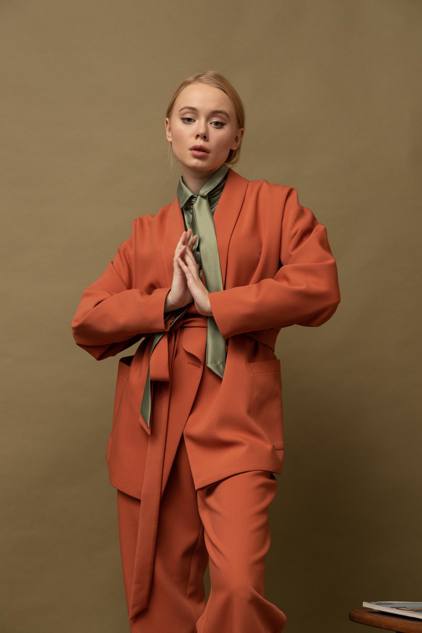 Жакет кроя кимоно двубортный на подкладке