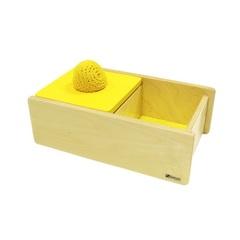 Коробочка с вязаным мячиком и перекидной крышкой Монтессори-Питер