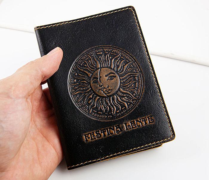 BY04-14-01 Кожаная обложка для авто документов с рисунком «Festina Lente» фото 05