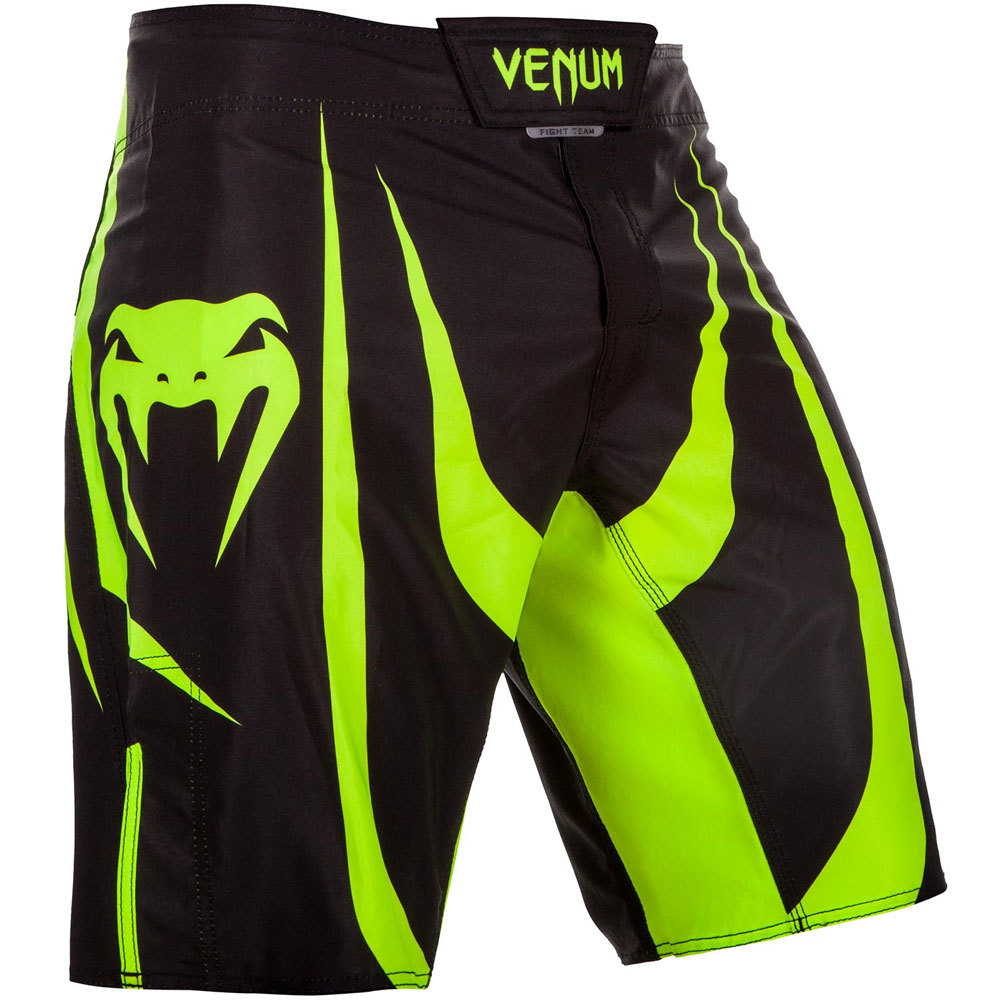 Шорты Шорты Venum Predator Fightshorts - Black/Neo Yellow 1.jpg