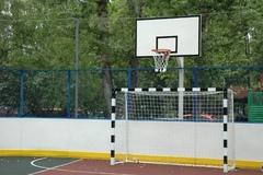 Стойка баскетбольная Г-обр уличная бетонируемая вынос 1.2 м (щит 1800х1050мм антивандальный металлический, +кольцо,+сетка)