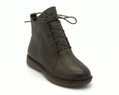 Кожаные зимние ботинки оливкового цвета