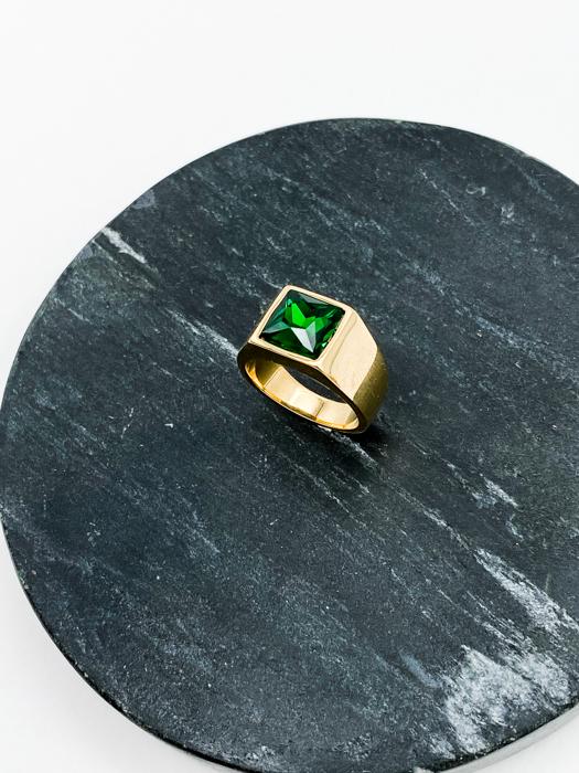 Кольцо-печатка со вставкой из хрусталя