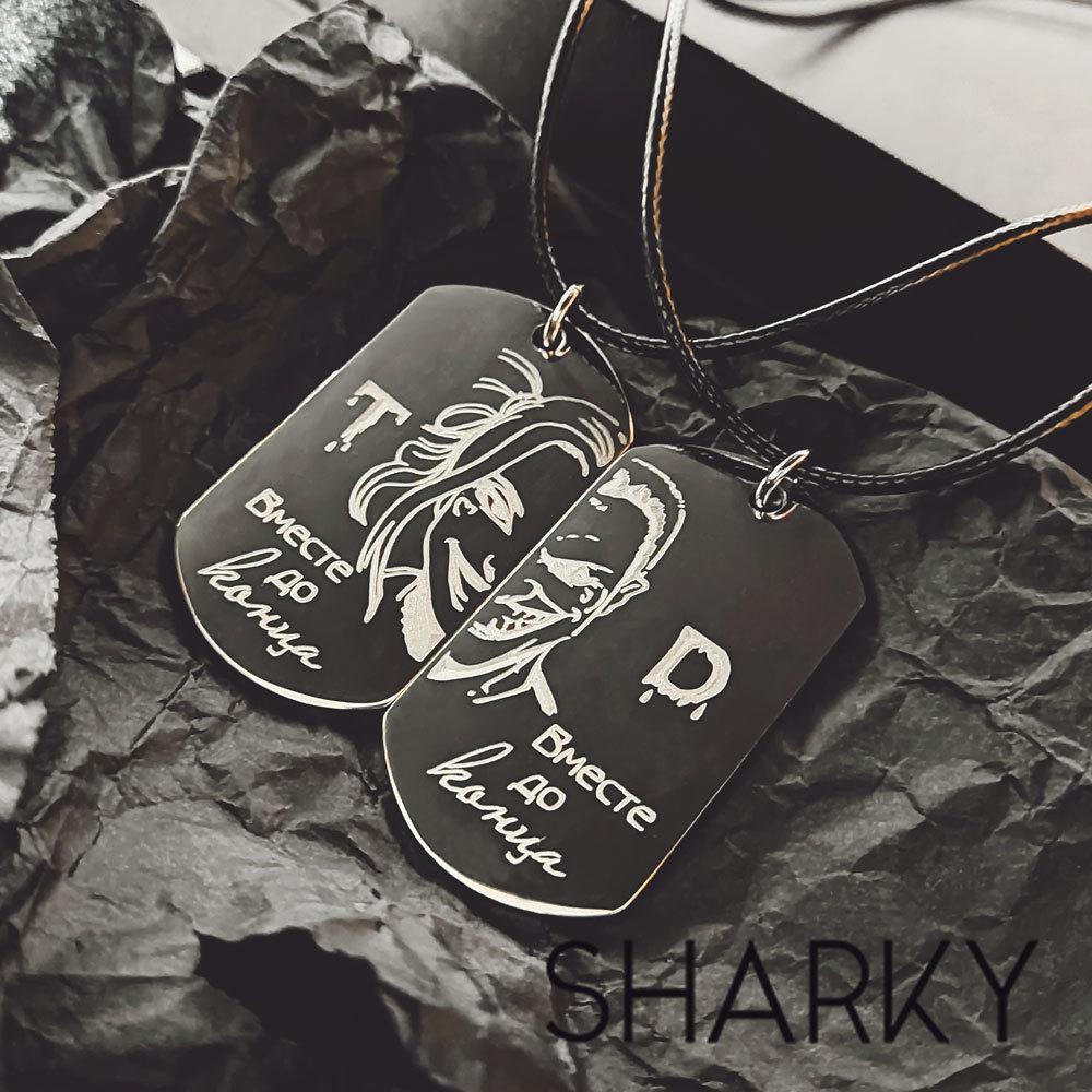 Парные жетоны с гравировкой Харли Квинн и Джокер для двоих влюбленных