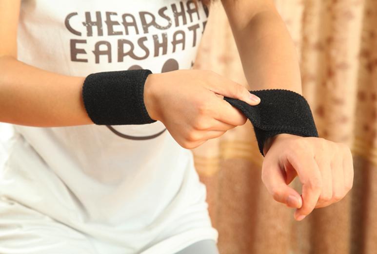 Турмалиновые напульсники при болях в запястьях и кистях рук, 1 пара