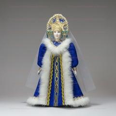 Сувенирная кукла Снегурочка в шубке